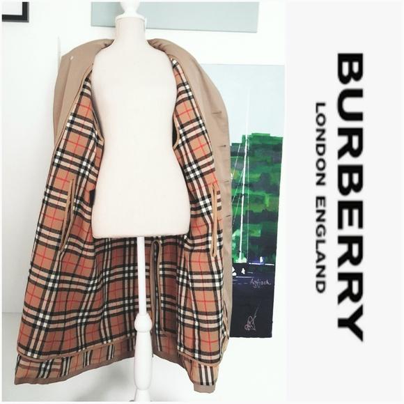 Burberry Jackets & Blazers - NWOT BURBERRY COAT WITH LINER